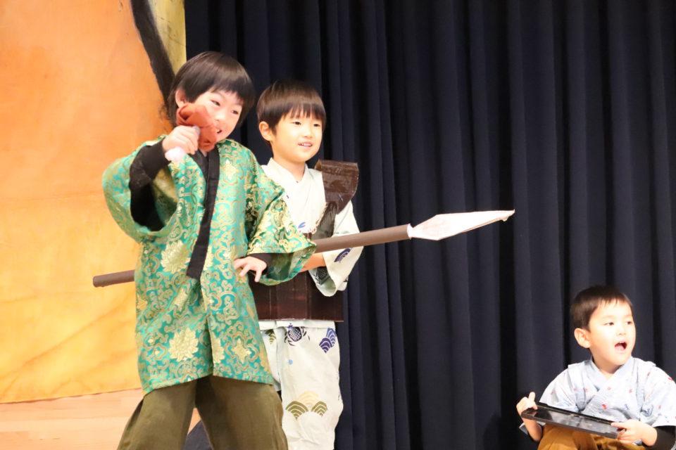 発表会の練習を楽しむ幼稚園の園児達
